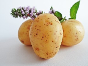 potatoes-448610_1920